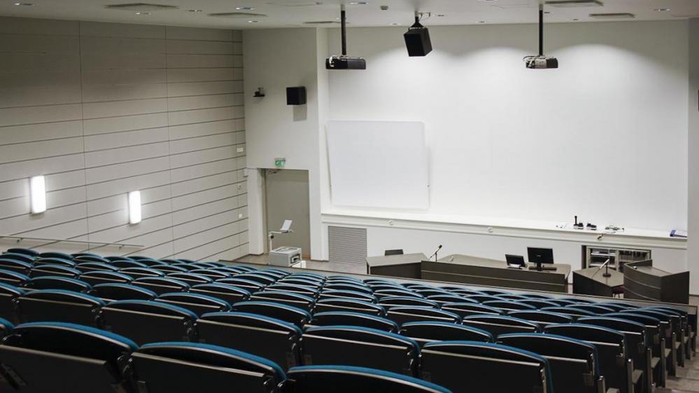 MS302 auditorio, Säästöpankki Optia-Sali