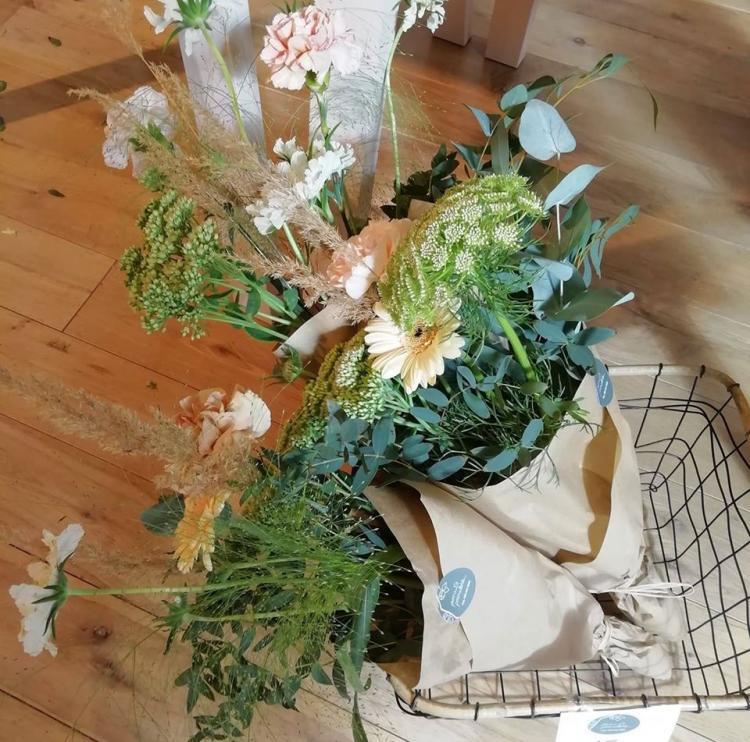 Kukkapuoti pioni&poimulehti